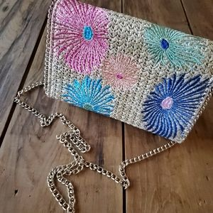 Chelsea28 Embroidered Straw Floral Crossbody Purse